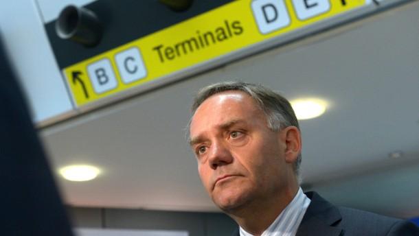 Berlins frühere Flughafenchefs sollen für Schaden haften