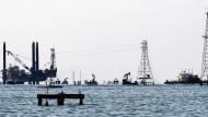 Auch viele Ölplattformen sind angesichts des niedrigen Preises nicht rentabel im Moment.