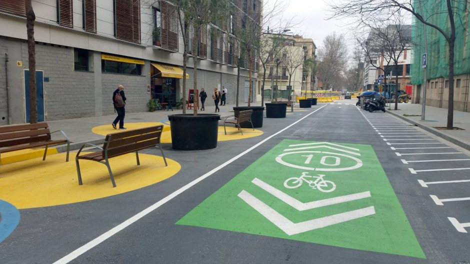 Eine Fahrradstraße in Barcelona