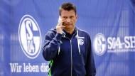 Dürfte gut entlohnt werden: Schalkes Geschäftsführer Sport, Christian Heidel