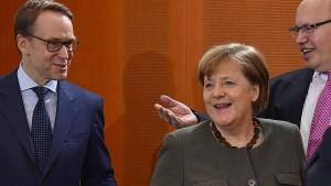 CSU kritisiert Merkels EZB-Taktik
