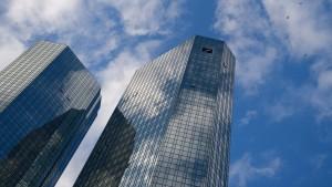 Deutsche Bank prüft Rolle ihrer Hauskanzlei