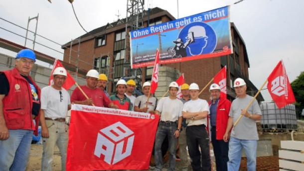 Erste Warnstreiks in der Baubranche