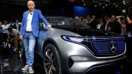 Kleider machen Leute, weiß auch Daimler-Chef Dieter Zetsche - und legt immer öfter den Anzug ab.