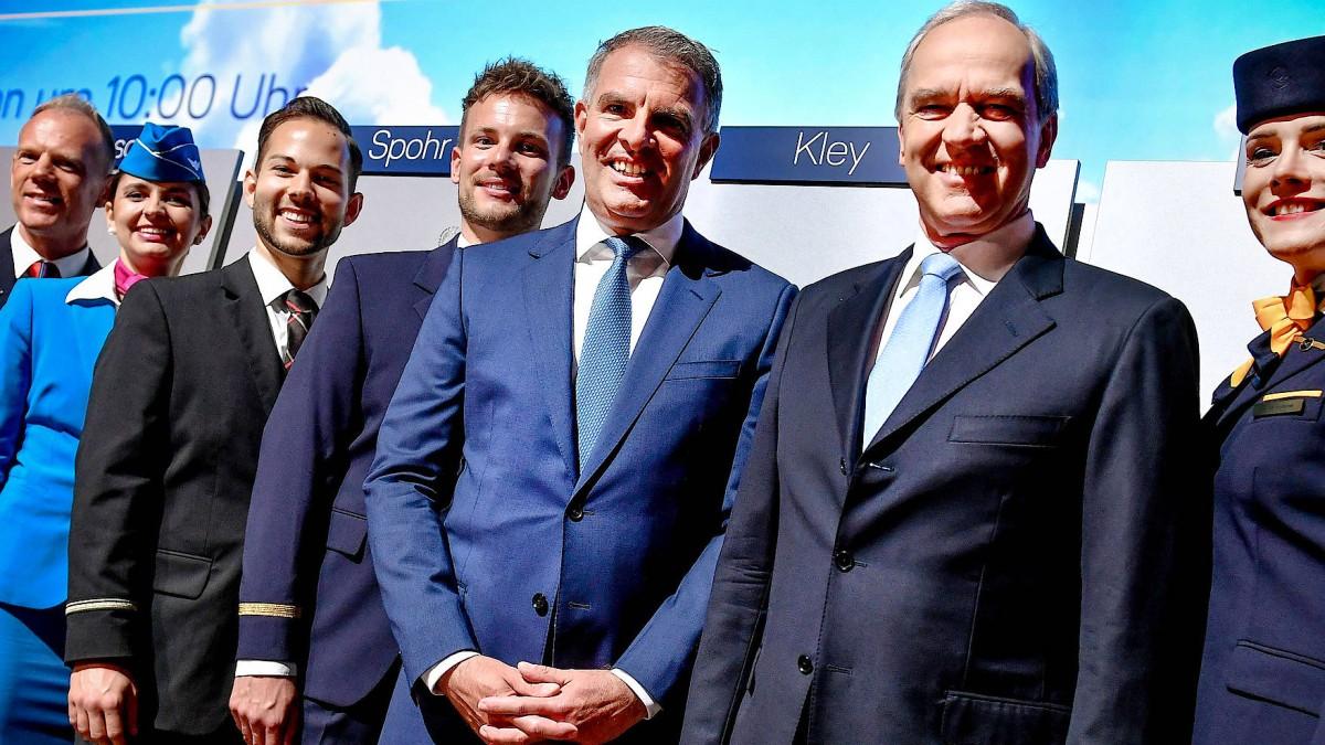 Lufthansa-Aufseher bauen Vorstand um
