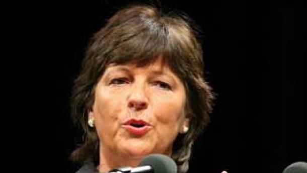 Ministerin Schmidt bietet Ärzten Kooperation an