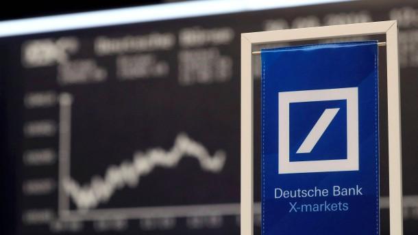 S&P bestätigt Deutsche Bank trotz Rechtsrisiken