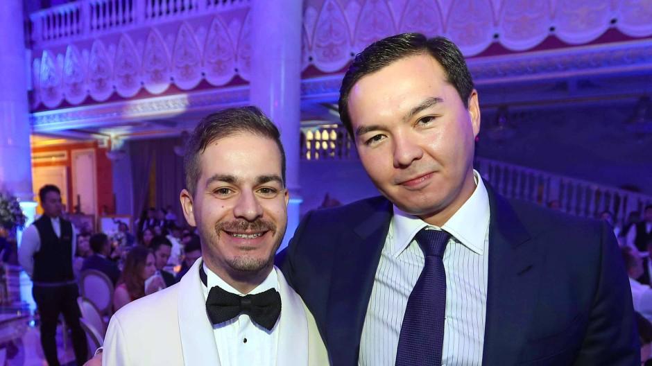Gibt sich nach außen als erfolgreicher Tech-Unternehmer: Nurali Aliyev (rechts)