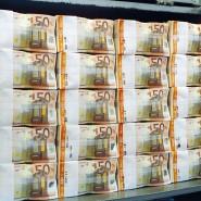 Stapelbar: ein Geldpaket von 50-Euro-Scheinen