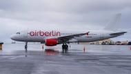 A320 von Air Berlin auf dem Keflavik-Flughafen in Reykjavik