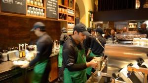 Starbucks will 10.000 Flüchtlinge einstellen
