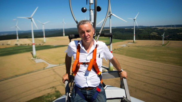 Johannes Lackmann - der  ehemalige Präsident des Bundesverbandes Erneuerbare Energie  baut jetzt  Bürgerwindparks, unter anderem auch in westfälischen Altenbeken.