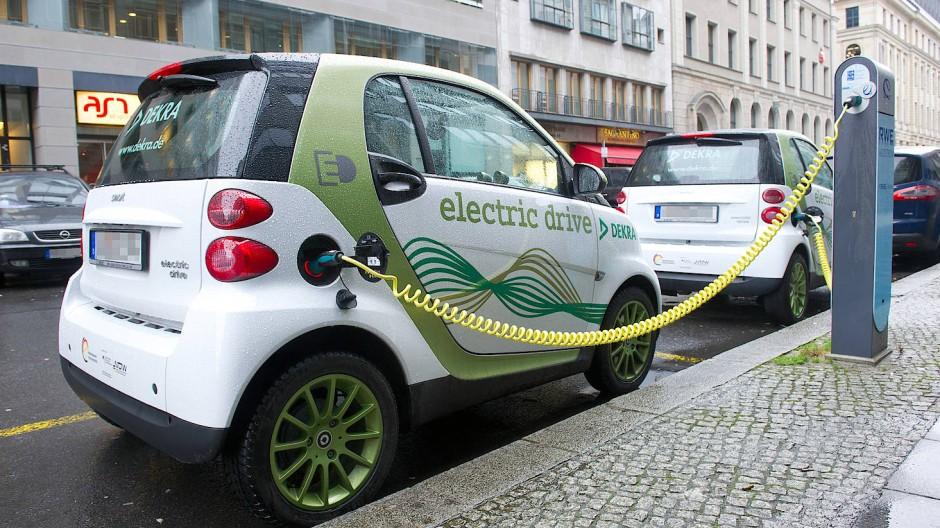 Elektroautos: Stand der Bundesländer beim Ladesäulen-Ausbau