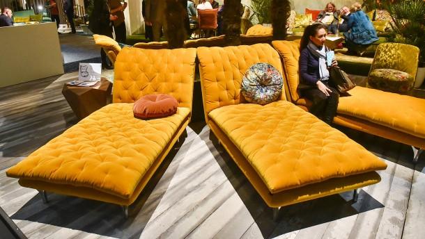m beltrends 2017 zwischen pl schsesseln und massivholz wohnen faz. Black Bedroom Furniture Sets. Home Design Ideas