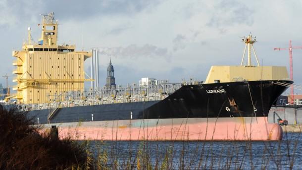 Reedern steht das Wasser bis zum Hals