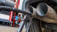 Dobrindt will Abgasuntersuchung wieder einführen