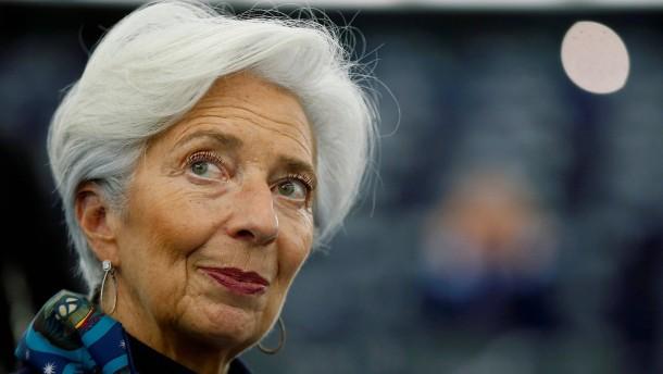 EZB will Frauen stärker fördern