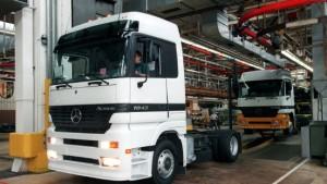 Kurzarbeit in Daimlers Lkw-Produktion