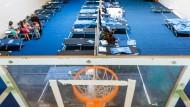 Berlin beschlagnahmt immer mehr Turnhallen für Einwanderer