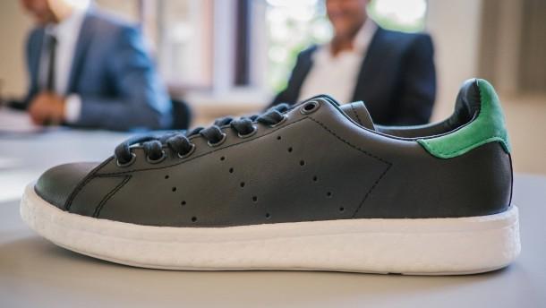Adidas darf beliebte Sportschuhe weiter verkaufen