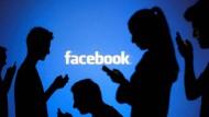 Wer Facebook nutzt, hat dort nicht weniger Freiheiten als andere andernorts. Das entschied jetzt das OLG München.