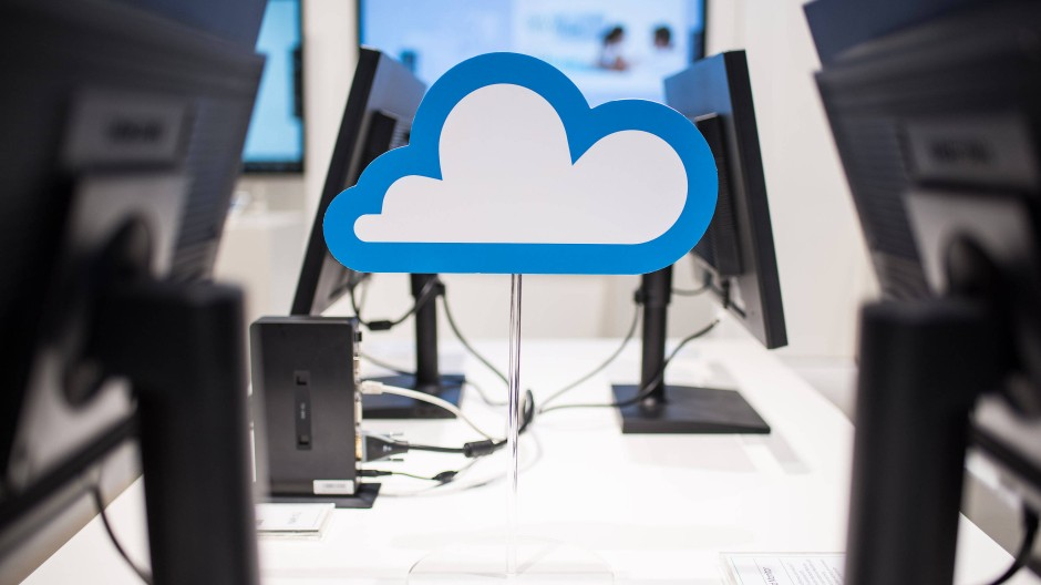 Mehr Platz: Der Einsatz der Cloud wirkt sich auch auf die Ordnung der Schreibtische aus. Die Technologie wird inzwischen flächendeckend im Privat- und Unternehmensbereich verwendet.