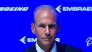 Wegducken statt entschuldigen: Nach dem Absturz der Boeing 737  ließ eine Entschuldigung des Konzernchefs bei den Angehörigen der fast 160 Todesopfer lange auf sich warten.