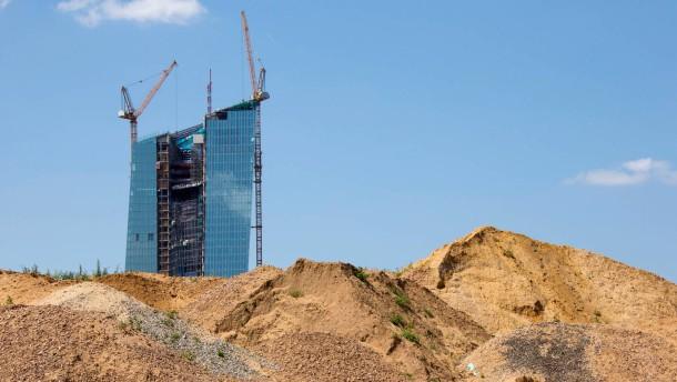 EZB-Tower - Das neue Hochhaus im Frankfurter Ostend wird immer mehr zu einem bestimmenden Gebäude in der Skyline.
