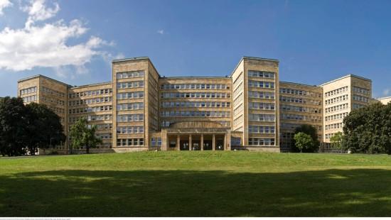 Campus Westend: Das Hauptgebäude der Frankfurter Goethe-Universität stammt vom Architekten Hans Poelzig (1869 - 1936). Es entstand in den zwanziger Jahren als Zentrale des Konzerns IG Farben