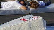Wer eine neue Matratze kaufen möchte, sucht im Internet oft vorher nach Erfahrungsberichten.