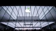 Unter dem Diktat des Apfels: Bestimmen in einer globalen Welt die Großkonzerne alle Regeln?