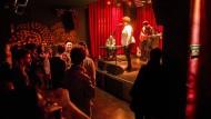 Gehen hier bald die Lichter aus? Jam-Session im Berliner Privatclub.