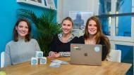 Die Gründerinnen von Selfapy: Katrin Bermbach, Nora Blum und Farina Schurzfeld (von links)