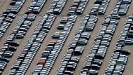 Neufahrzeuge von VW: der Konzern kann sich über 4,5 Milliarden Euro freuen.