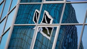 Anleger kaufen Deutsche Bank