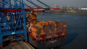 China kauft sich in Europas Häfen ein