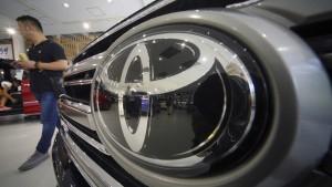 Toyota rechnet mit deutlich weniger Gewinn