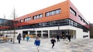 Der Pausenhof wird bald voller: Die internationale Schule in Oberursel bei Frankfurt