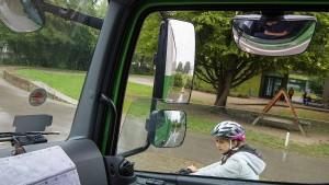 Wie lässt sich die Todesgefahr durch abbiegende Lastwagen eindämmen?