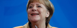 Angela Merkel hat gut lachen. Die Eliten ziehen sie allen potentiellen Herausforderern vor.