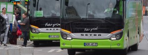 Längst sieht man auf der Busspur in Deutschland fast ausschließlich grüne Fernbusse. Flixbus ist in kurzer Zeit zum Marktführer geworden.