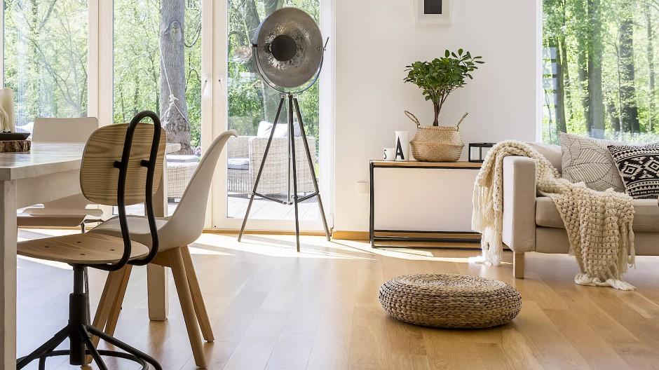 Sofa, Tisch und Stühle sorgen für Rendite.