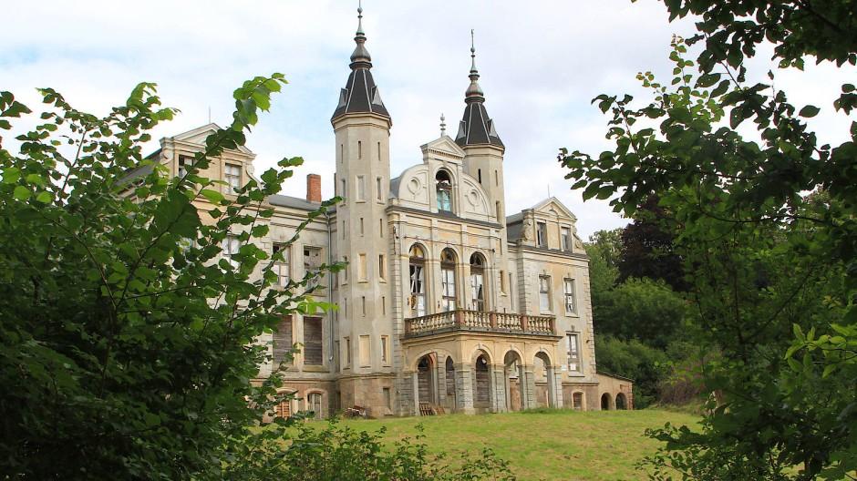 Potential zum Märchenschloss: Im maroden Herrenhaus von Mallin will ein Investor Mietwohnungen unterbringen.