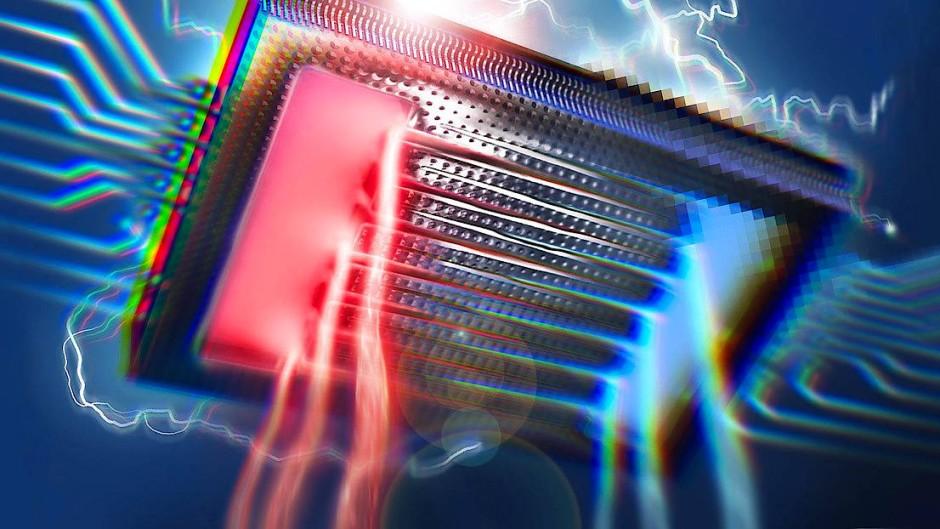 Mikrochip mit integrierter Wasserkühlung. Die Mikrokanäle mit der Kühlflüssigkeit verlaufen unterhalb der Schaltkreise.