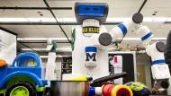 "Er schafft Ordnung im Chaos: Der Putzroboter ""Go Blue"" aus Michigan"