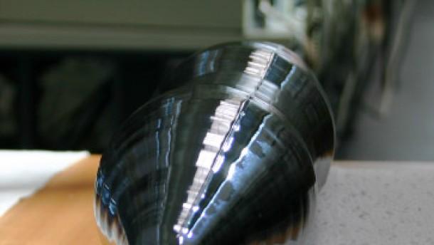 Kostbare Siliziumkristalle für eine gewichtige Sache