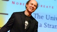 Der Physiker Frank Wiczek be einen Vortrag