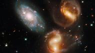 Galaxien des Stephan's Quintett. Sie wurden am 22. September 1877 vom französischen Astronomen Édouard Jean-Marie Stephan im Sternbild Pegasus entdeckt.