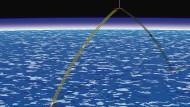 Solargetrieben wäre der Aufstieg erst ab 40 Kilometern Höhe möglich. Es gibt daher Ideen, die Talstation des Liftes erst in dieser Höhe anzulegen.