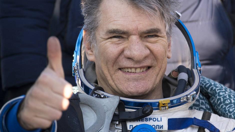 Sichtlich erleichtert: Der italienische Astronaut  Paolo Nespoli von der europäischen Weltraumagentur Esa